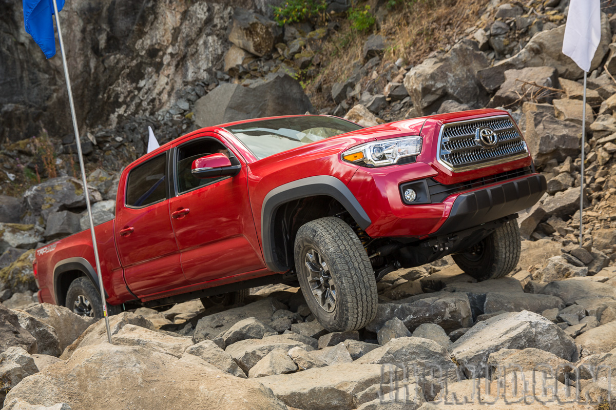 details 2016 toyota tacoma. Black Bedroom Furniture Sets. Home Design Ideas