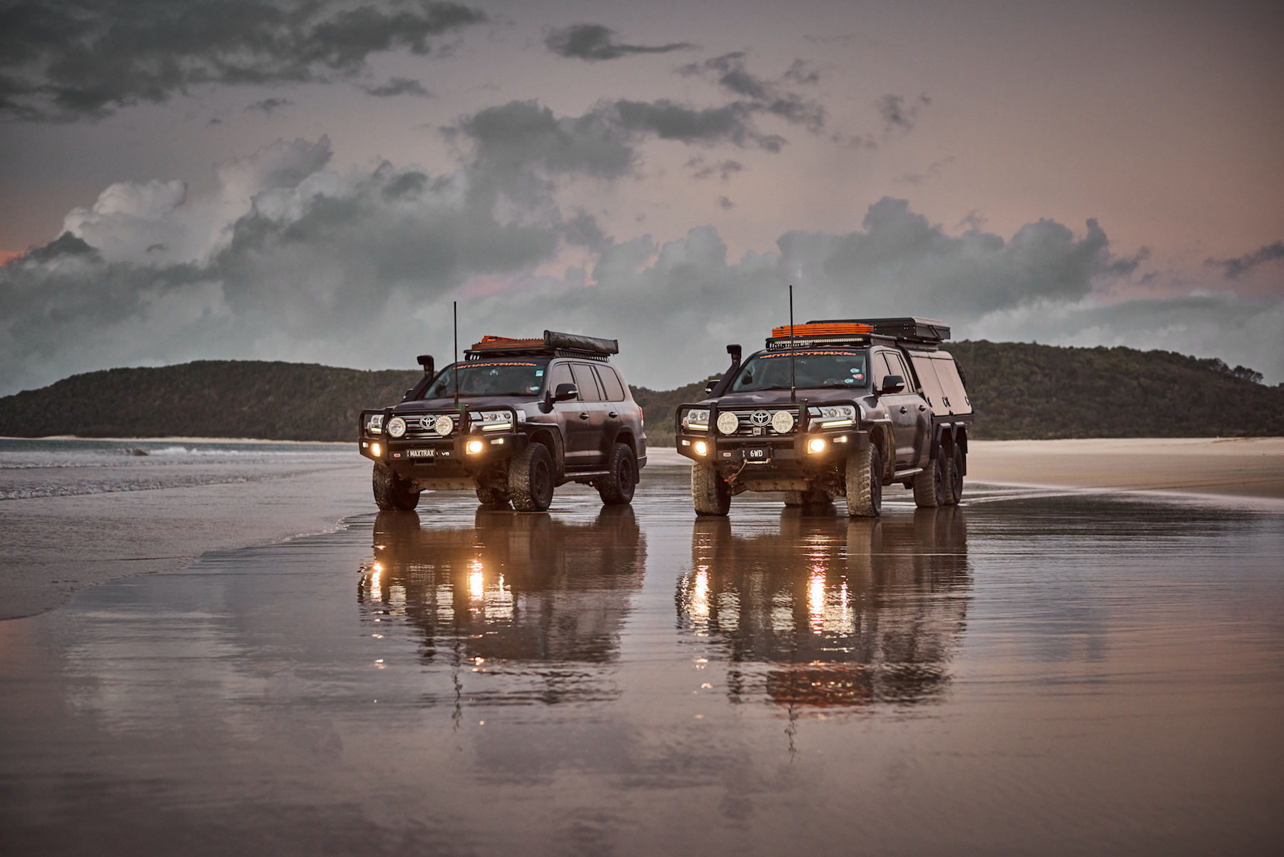 Exploring Fraser Island With The MAXTRAX Land Cruisers
